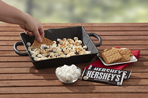 HERSHEY'S S'mores Cast Iron Dessert Pan